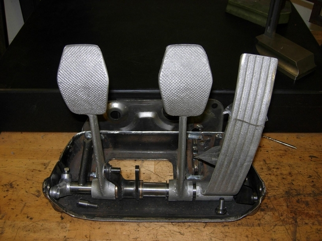 Adjustable pedalbox